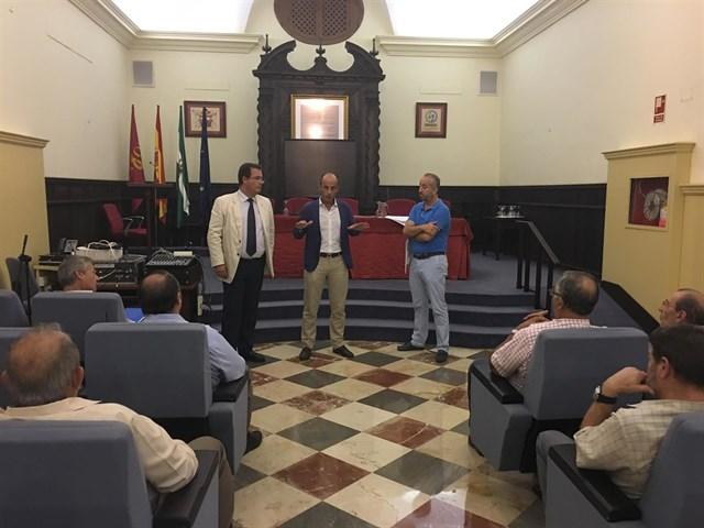 Encuentro informativo obras EMASESA y Distrito Casco Antiguo en Calle Trastámara
