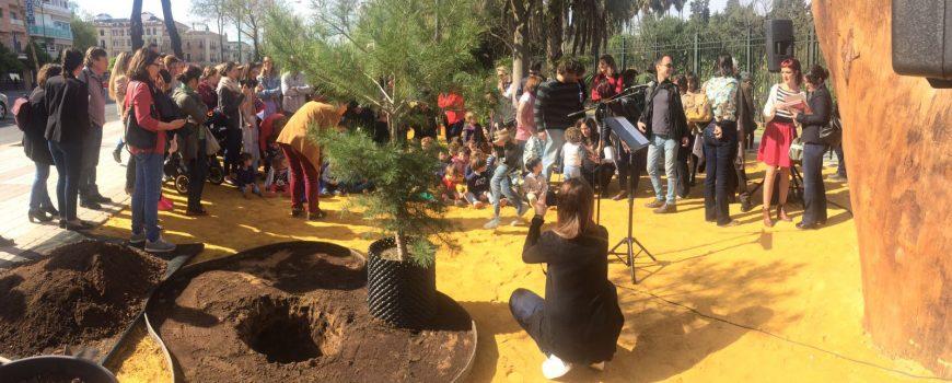 Plantación Árbol conmemoración Día Mundial de los Bosques