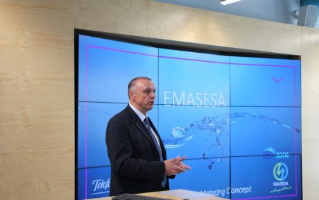 El Consejero Delegado de EMASESA, Jaime Palop, presenta el proyecto de implantación de un sistema de lectura remota de contadores.