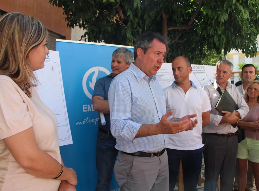 Alcalde de Sevilla presenta a los vecinos las obras de renovación de redes en Distrito Norte