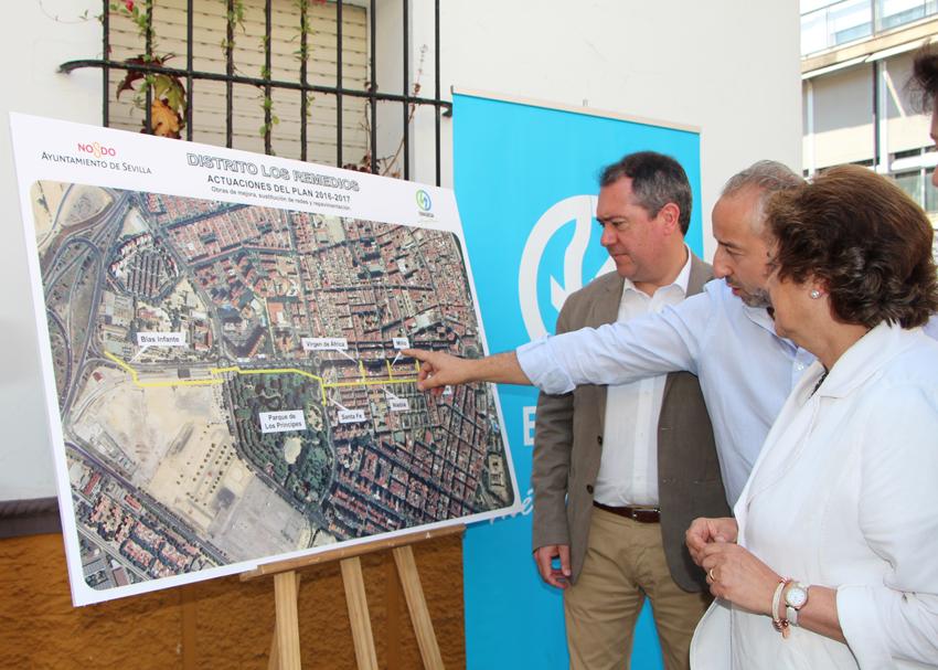 El Alcalde de Sevilla en la presentación de las actuaciones de EMASESA en el Distrito Los Remedios