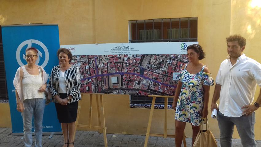 La Delegada del Distrito Triana, Carmen Castreño, presenta las obras de EMASESA en Rodrigo de Triana