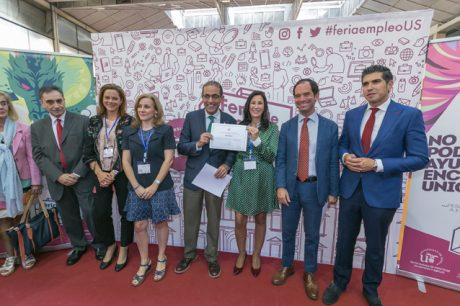 Entrega a EMASESA del V Premio Al Compromiso Empresarial con los Estudiantes en Prácticas Externas de la Universidad de Sevilla