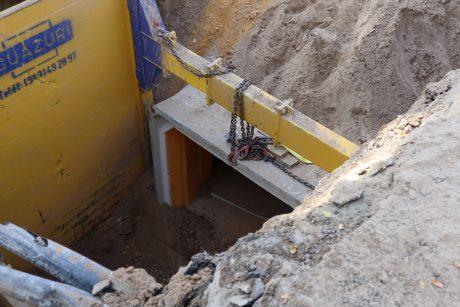 Instalación del nuevo colector en calle Rubén Darío esquina Alvar Núñez